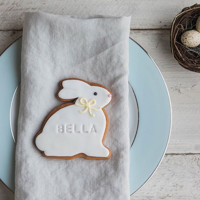 personalised bunny biscuit, easter biscuit ideas, hand made bunny biscuits, bunny iced biscuits
