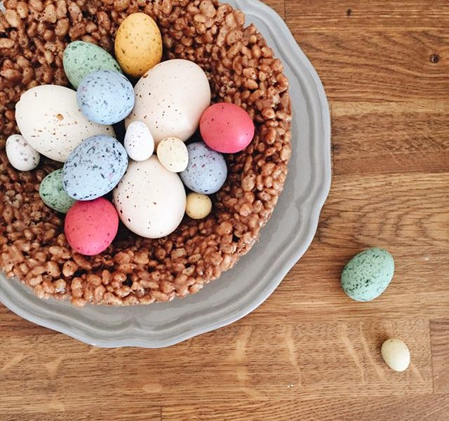 Easter nest archives honeywell bakes iced biscuit gifts giant easter nest negle Images