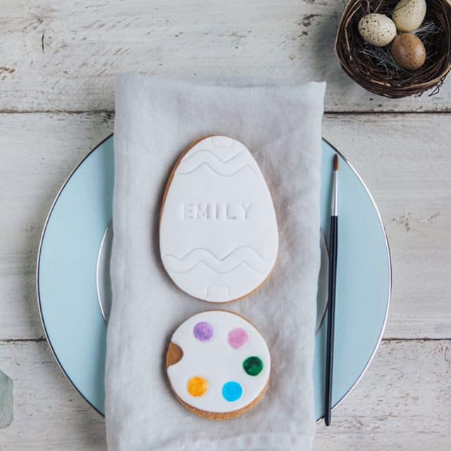 P a i n t Y o u r E g g Paint them, eat them! We've used edible food colour to create the palette, which becomes paint once a little bit of water is added.