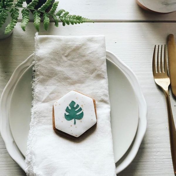 botanical wedding favour biscuits