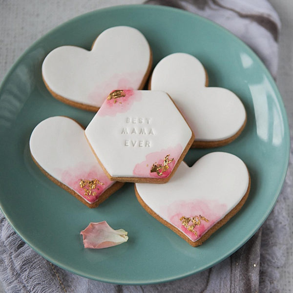 Pretty personalised pink watercolour biscuit gift set