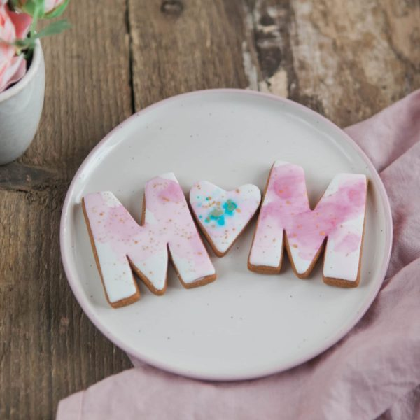 MUM Watercolour Biscuits