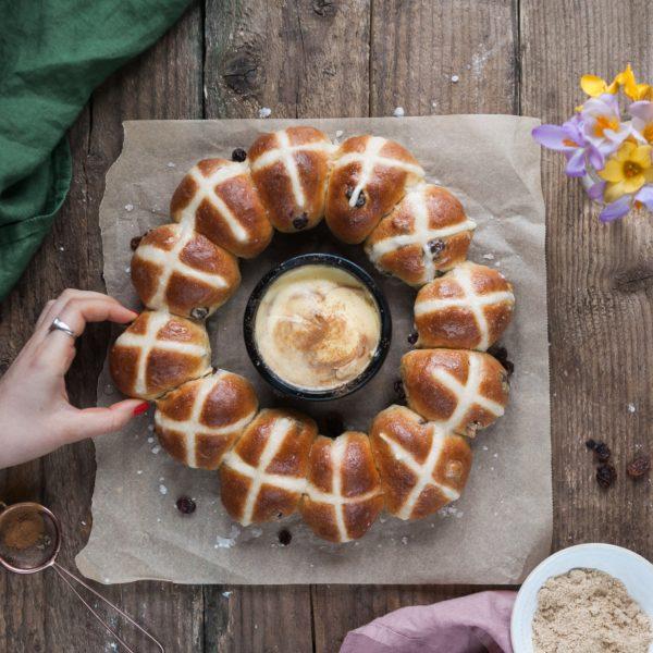 Hot Cross Bun Wreath Baking Kit