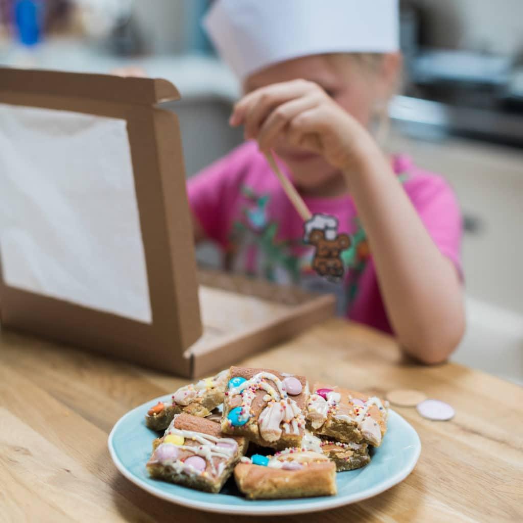 rainbow blondie baking kit